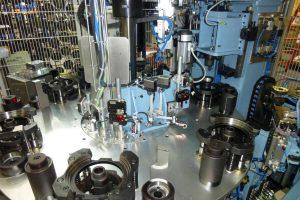 Anlagenbau Automotive: Vormontageanlage für Komponenten von Achsen für Nutzfahrzeuge